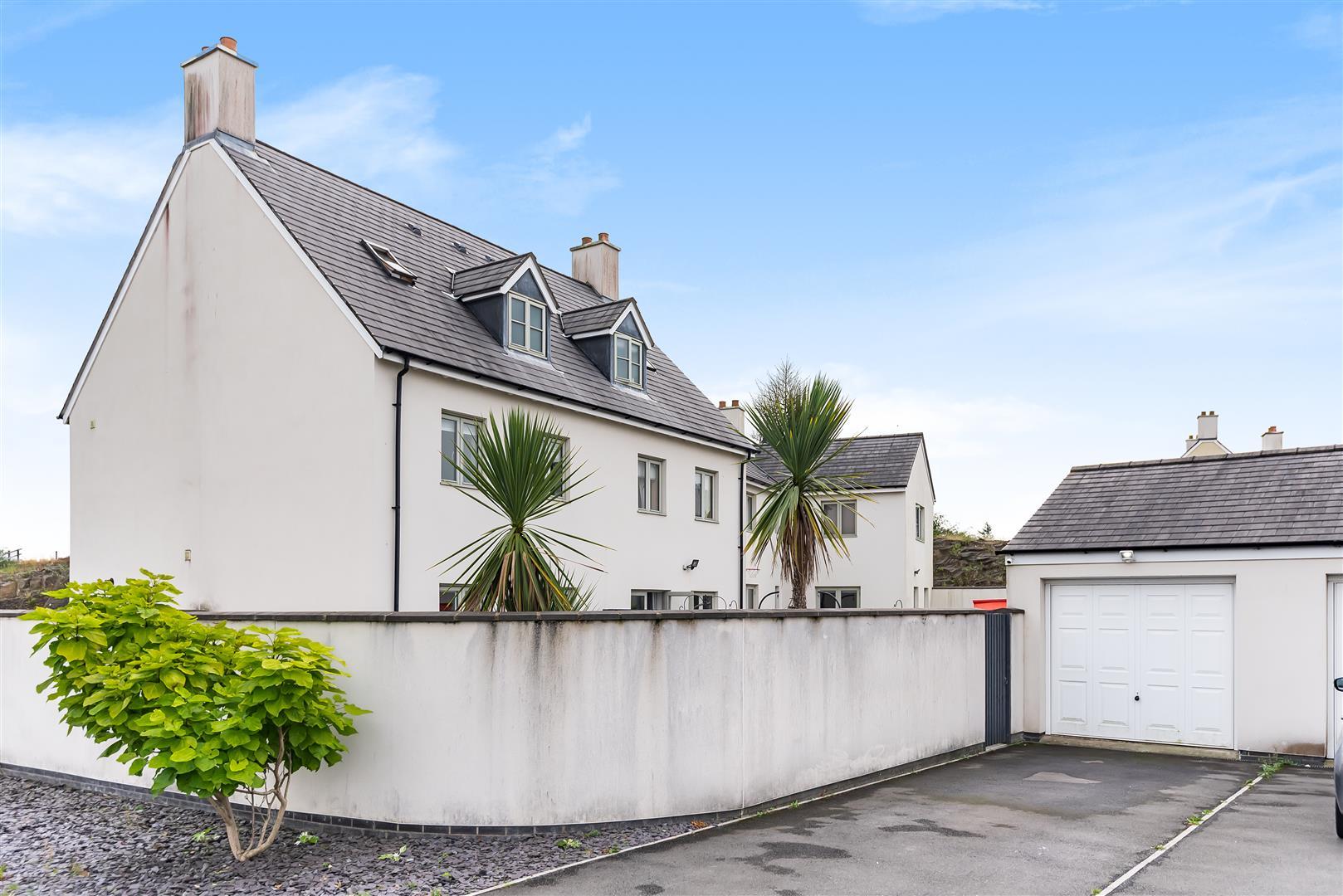 Ridgeway Lane, Llandarcy, Neath, SA10 6FY